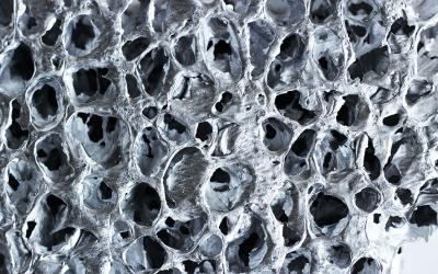 Un metallo leggero come l'aria: la schiuma di alluminio